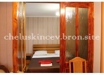 Стандарт 3-местный 2-комнатный (Старый корпус)| Дом отдыха «Челюскинцев» |Абхазия, Гагра, Гагрский район
