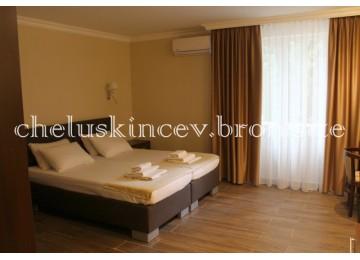 «Полулюкс» 2-местный 1-комнатный (Старый корпус)| Дом отдыха «Челюскинцев» |Абхазия, Гагра, Гагрский район
