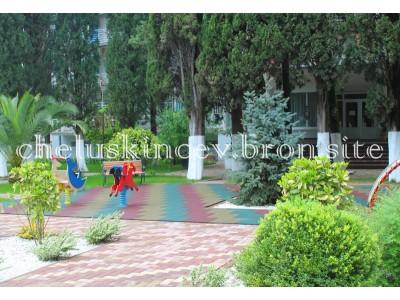 Дом отдыха «Челюскинцев» | детская площадка на территории